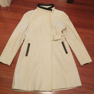 Via Spiga cream wool coat. Size 10.